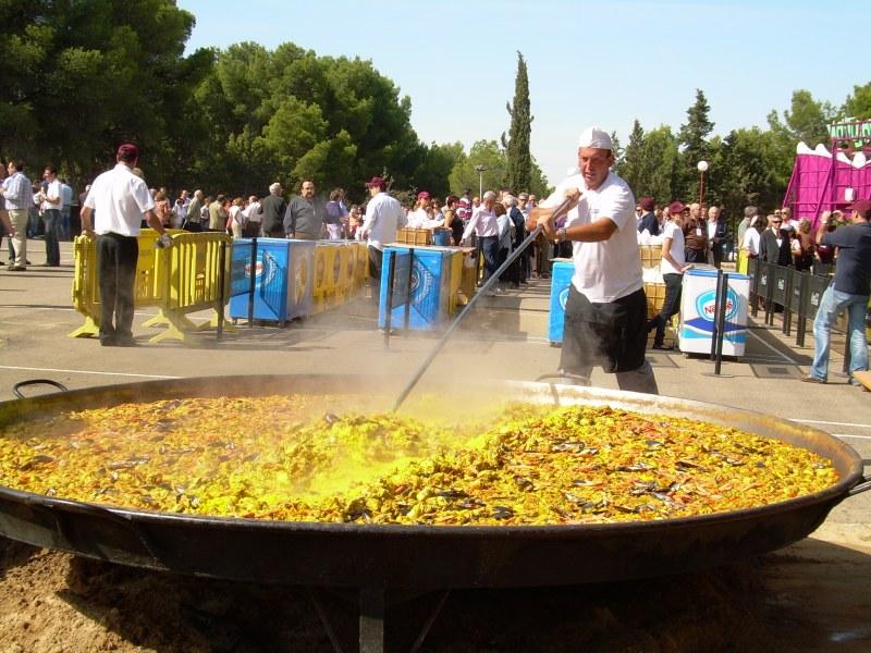 Im genes paellas gigantes aragonesas - Parque atracciones zaragoza ...